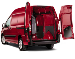 Грузовой отсек в автомобилях Fiat Doblo Cargo
