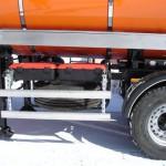 Автоцистерны для перевозки темных и светлых нефтепродуктов